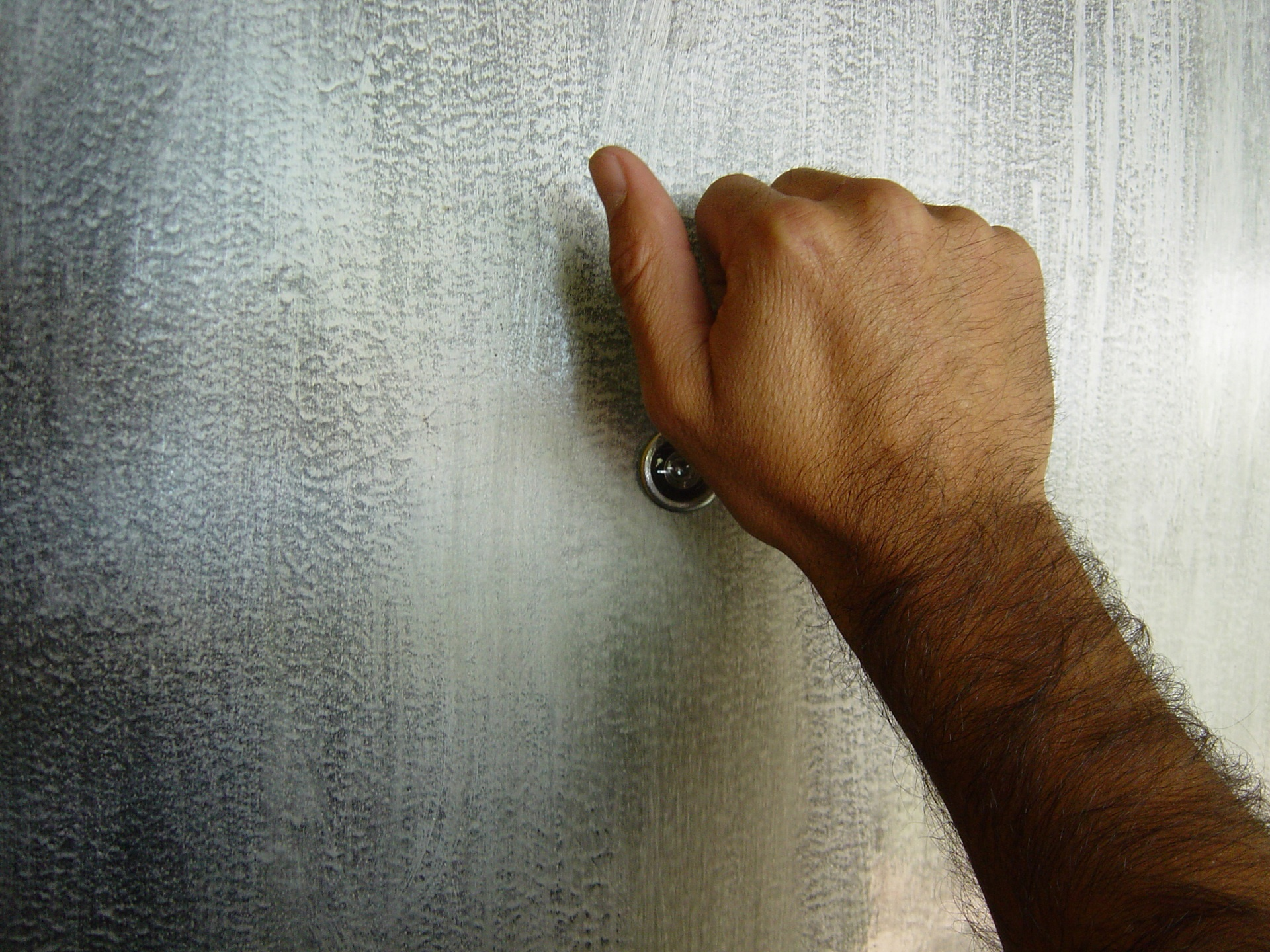 knock-knock-1439837-1920x1440